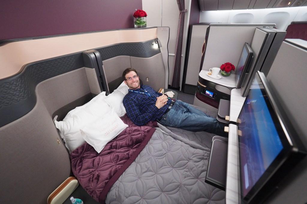 Qatar Airways ის ბიზნესკლასში ორ ადგილიანი საწოლები
